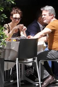 Andrea Lehotska, dall'Isola a Milano: pranzo col papà e passeggiata col topolino