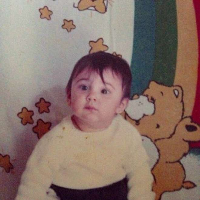 "Belen Rodriguez ""bambina"" su Facebook: ""Una piccola Belencita!!! #piccola"""