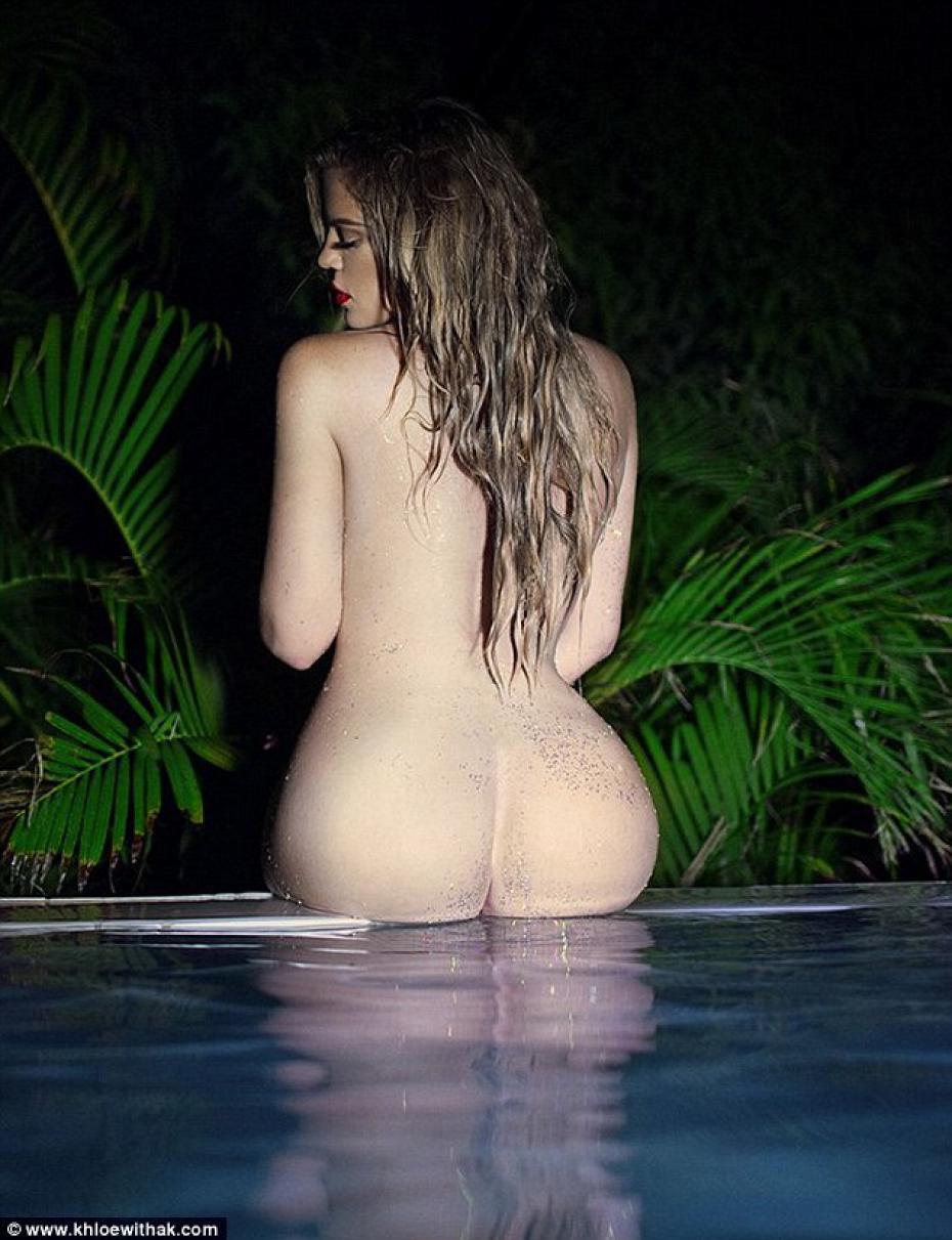 khloe-kardashian-in-un-posa-hot
