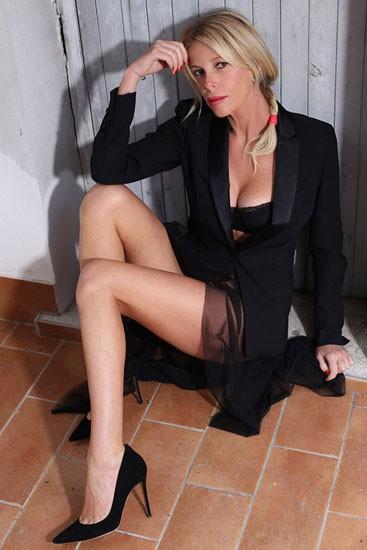look-nero-sexy-alessia-03