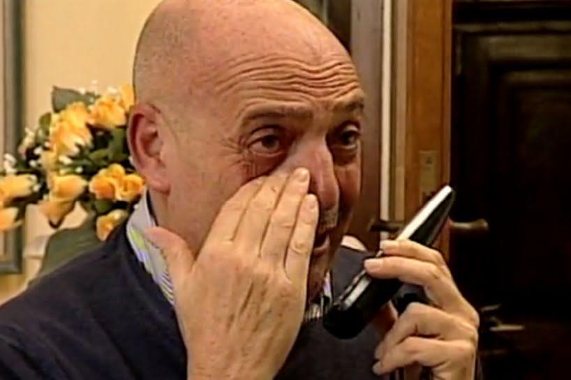 Paolo_Brosio_piange_al_cellulare