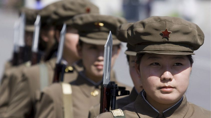 soldatesse-nordcoreane-jpeg